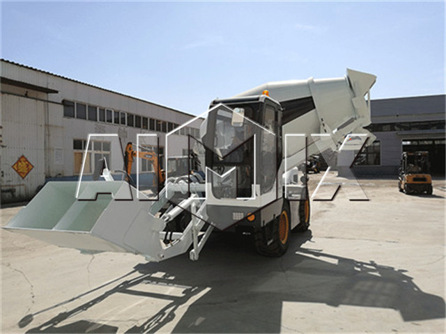 Self loading concrete mixer for sale